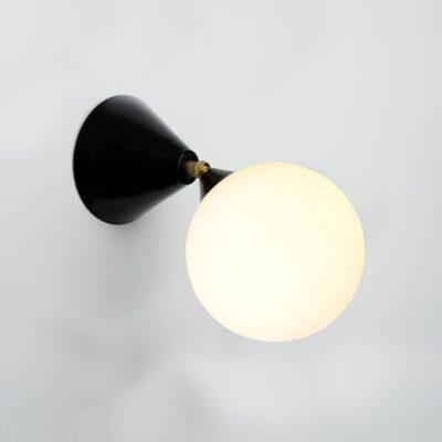 Wandleuchte Cone and Sphere von Atelier Areti jetzt online kaufen